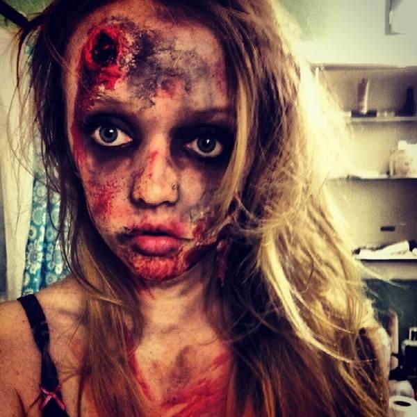 Creepy Halloween Makeup Ideas for Girls 3